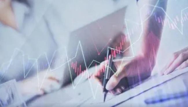 سهام آمریکا - سهام ایالات متحده Q2(سه ماه دوم) سال ۲۰۲۰ را به عنوان بهترین بازه سه ماهه از سال ۱۹۹۸ به پایان رساند، نگرانی های مرتبط با کرونا هنوز وجود دارند.