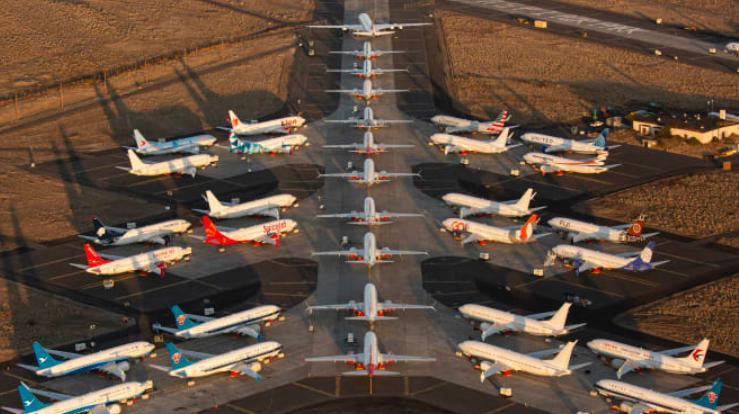 سهام بوئینگ کرونا - ثبت ۲.۴ میلیارد دلار ضرر خالص توسط کمپانی بوئینگ و اعلام کاهش میزان تولید هواپیما در دوران همهگیری