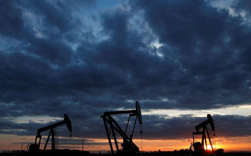 نفت 2 - ادامه پاندمی کرونا، کاهش تقاضا و سقوط قیمت نفت