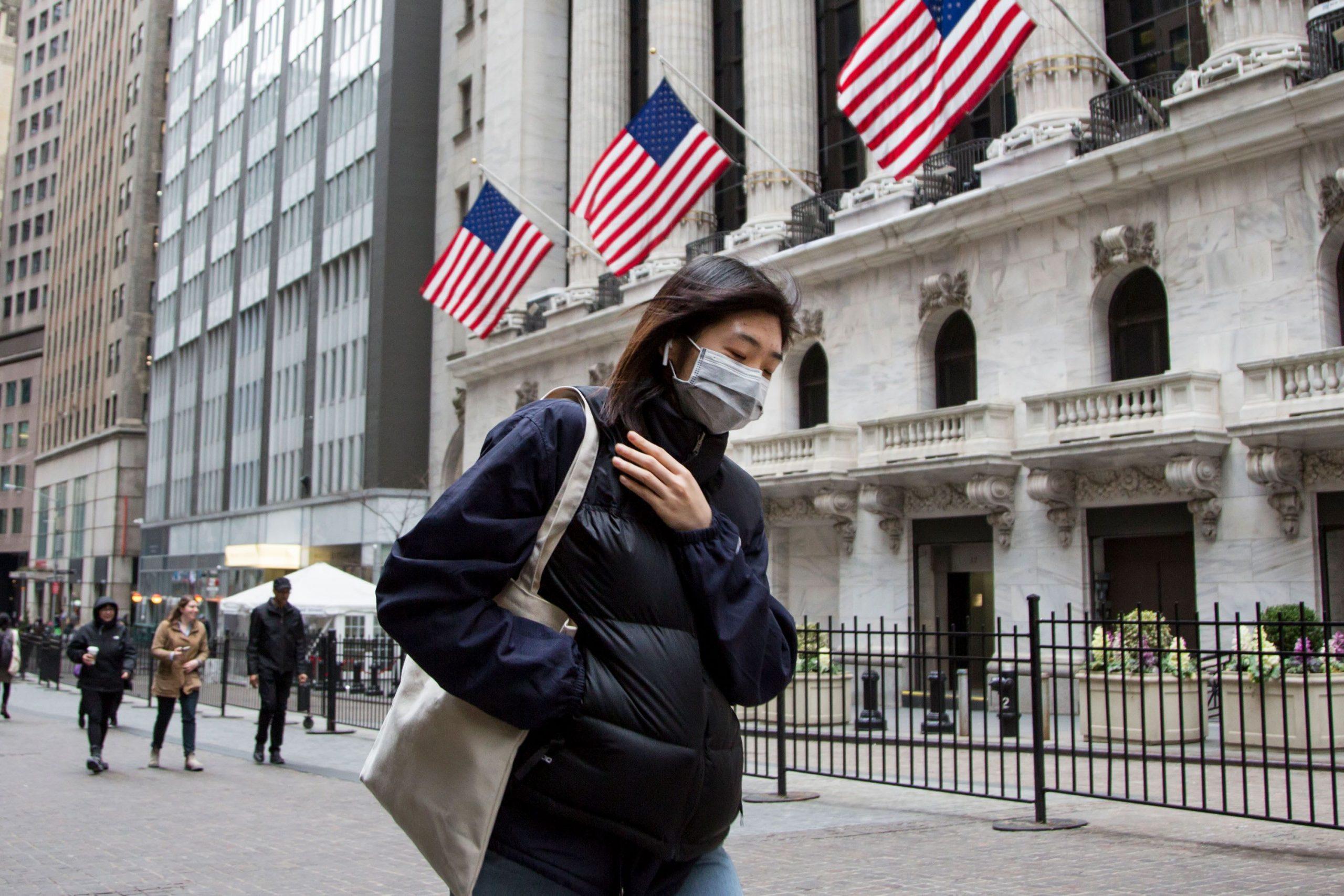 سهام نزدک داوجونز کرونا scaled - ۵ نکته که پیش از شروع بازار سهام باید بدانید؛ سهشنبه ۴ آگوست (۱۴ مرداد)