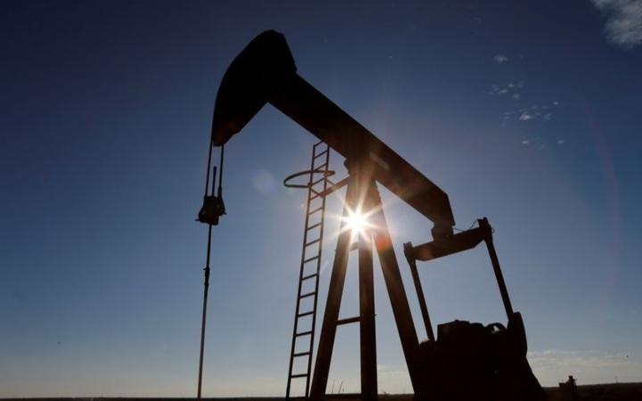 نفت 5 - قیمت نفت برنت به دلیل کاهش تولید ایالات متحده و امید به معاملهی تجاری چین، افزایش یافت