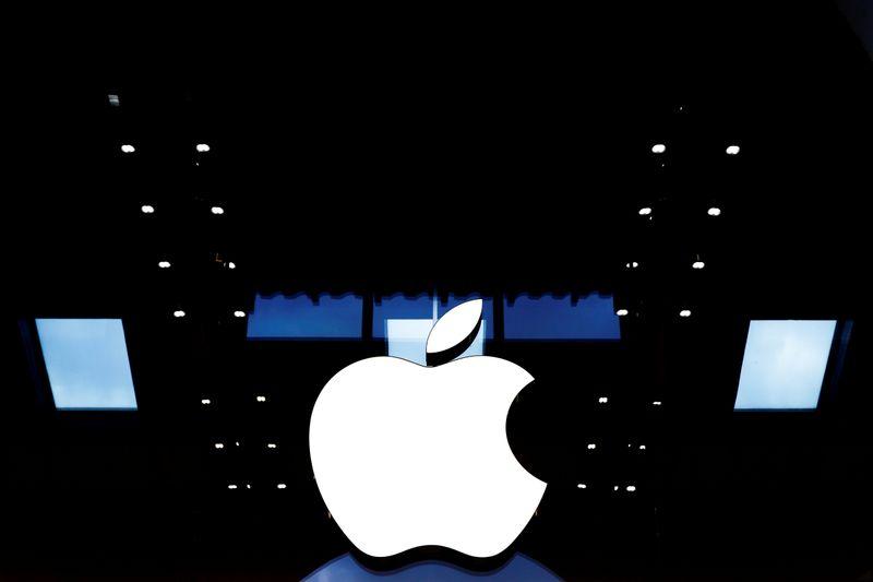 Apple tesla - افزایش سهام تسلا و اپل پیش از آغاز تقسیم سهام!