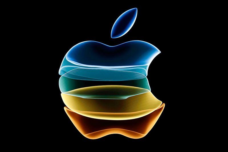 LYNXNPEG6U1DU L - شرکت اپل، از Saudi Aramco به عنوان یکی از با ارزش ترین شرکتها در عموم پیشی گرفت !