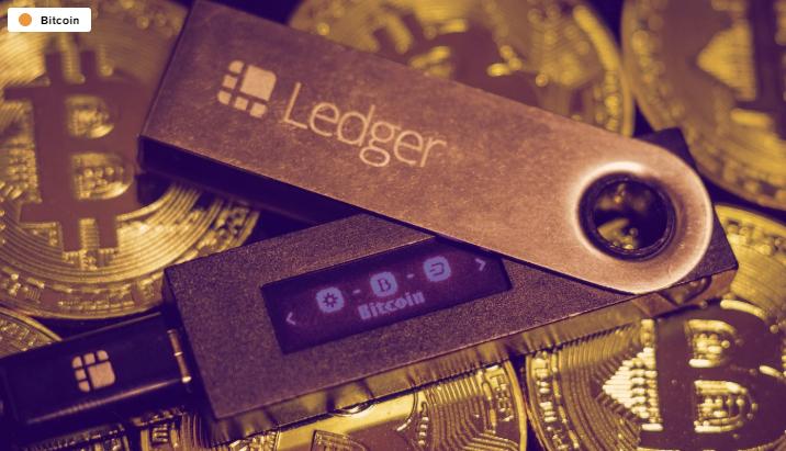 Ledger exploit - وجود یک باگ در کیف پول سختافزاری لجر ، موجب برداشت بیت کوین به جای آلتکوین می شود!