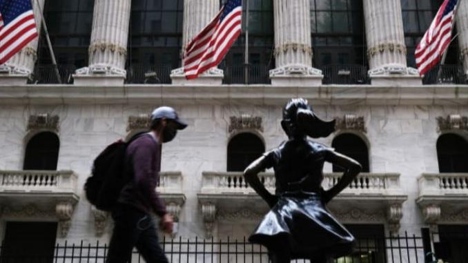 داو جونز - به دلیل بهبود سهامهای تکنولوژی، معاملات آتی داوجونز ۳۰۰ واحد رشد کرد