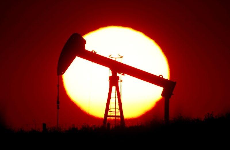 نفت 1 - کاهش قیمت نفت به دنبال افزایش نگرانی ها پیرامون نرخ تقاضا