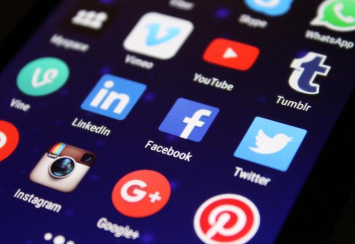 facebook - Facebook, YouTube ،Twitter با آگهی دهندگان بر سر محتوای آزاردهنده توافق می کنند
