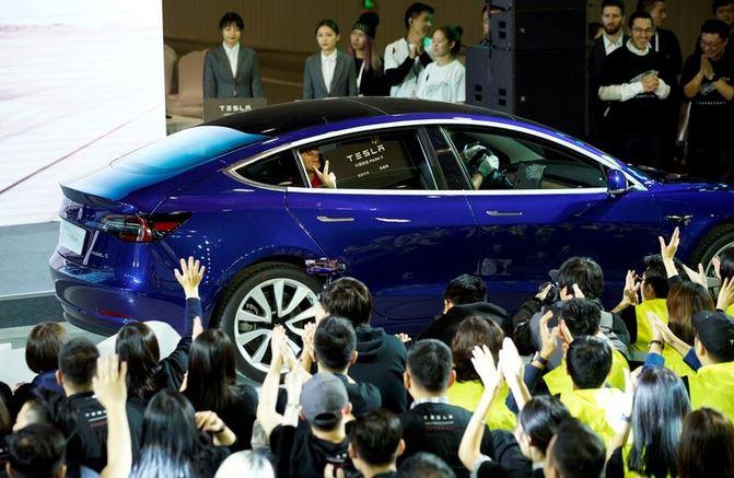 سهام تسلا چین - تسلا قیمت خودروی مدل ۳ ساخت چین خود را ۸٪ کاهش داد!