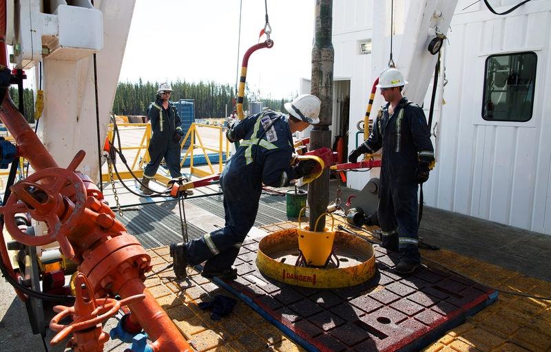 نفت 2 - افزایش قیمت نفت به دنبال روند آغاز انتقال قدرت در آمریکا