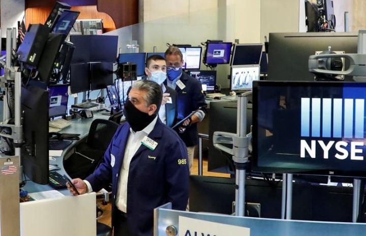 بازار سهام 12 - ۵ نکته که پیش از شروع بازار سهام باید بدانید؛ پنجشنبه، ۲ بهمن