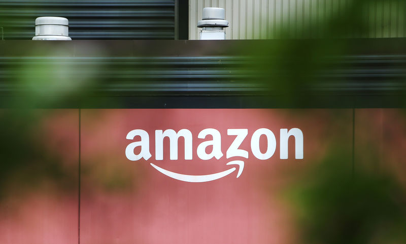 Amazon - آمازون دو مرکز  جدید در ایتالیا راه اندازی می کند