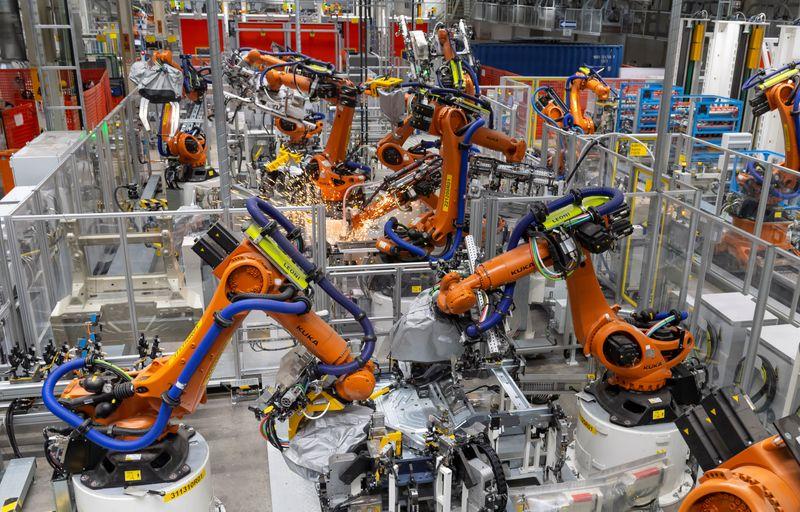 خودروسازان - کسب و کار در میان خودروسازان آلمانی در ماه مارس افزایش یافت