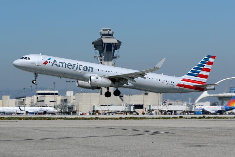 امریکن ایرلاینز - امریکن ایرلاینز پس از قطع خط لولهی کولونیال، به پروازهایش توقف اضافه کرده است