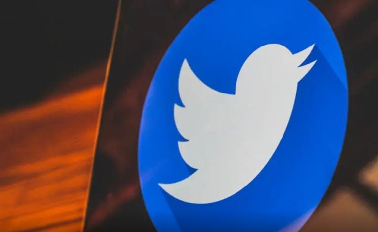 توییتر - بعد از انتقاد وزیر فن آوری هند از عملکرد توییتر، سهام این شرکت سقوط کرد