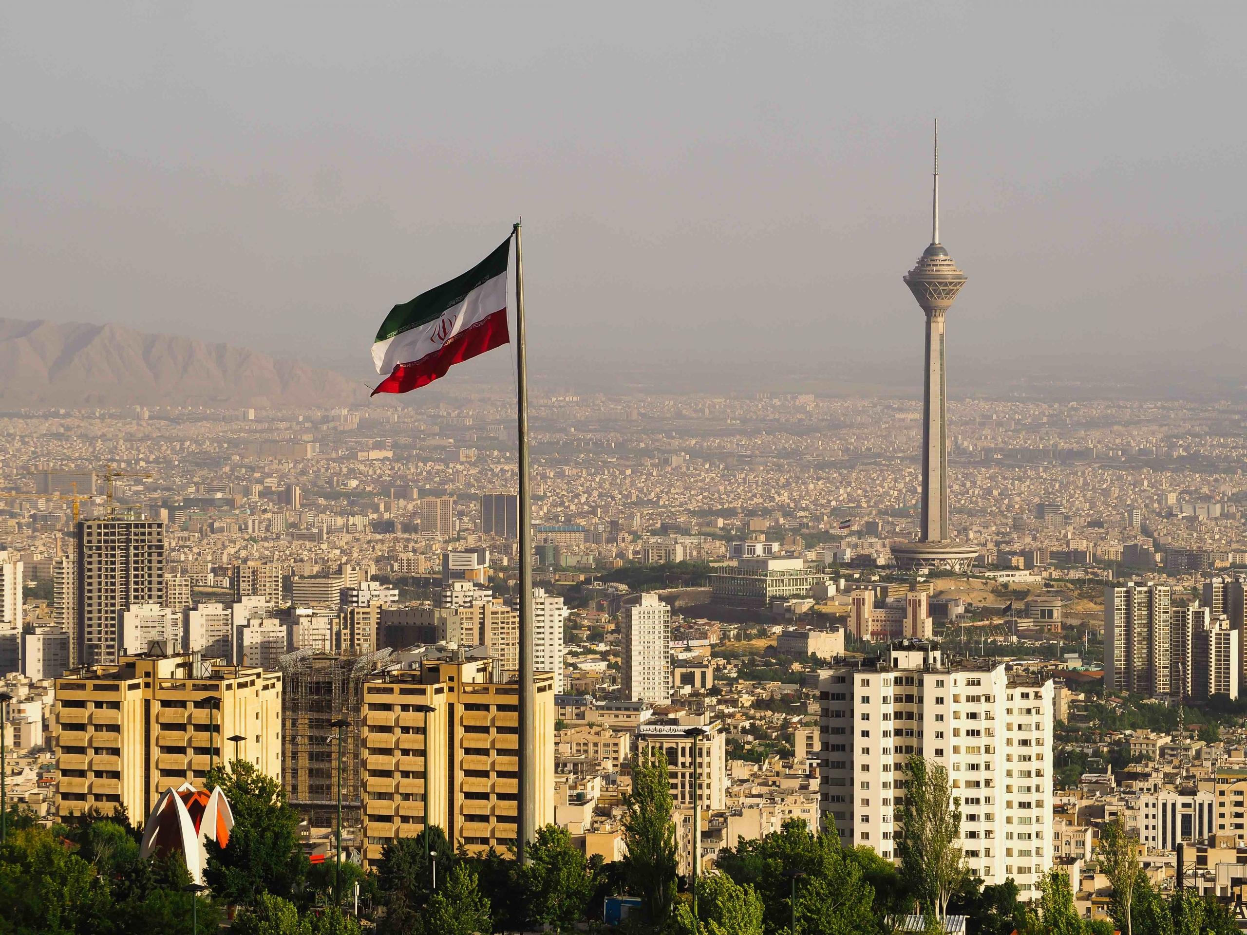 shutterstock 1415273714 scaled 1 - ایران لایحه ای را برای متمرکز کردن و قانون استفاده از رمزارزها آماده می کند