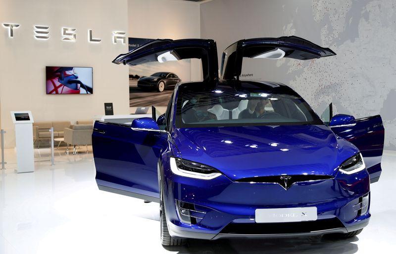 LYNXMPEH9M0AB L - تسلا قیمت مدل های X و S خودرو های خود را 5000 دلار افزایش داد